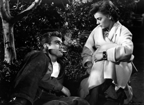 james-dean-and-natalie-wood-in-rebel