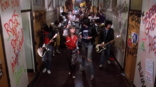 Rock_'n'_Roll_High_School_02